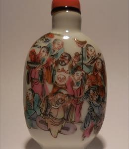 Porcelain with famille rose enameled design of the 18 Lohans. Mid 19th Century. Coral top. (X08533)